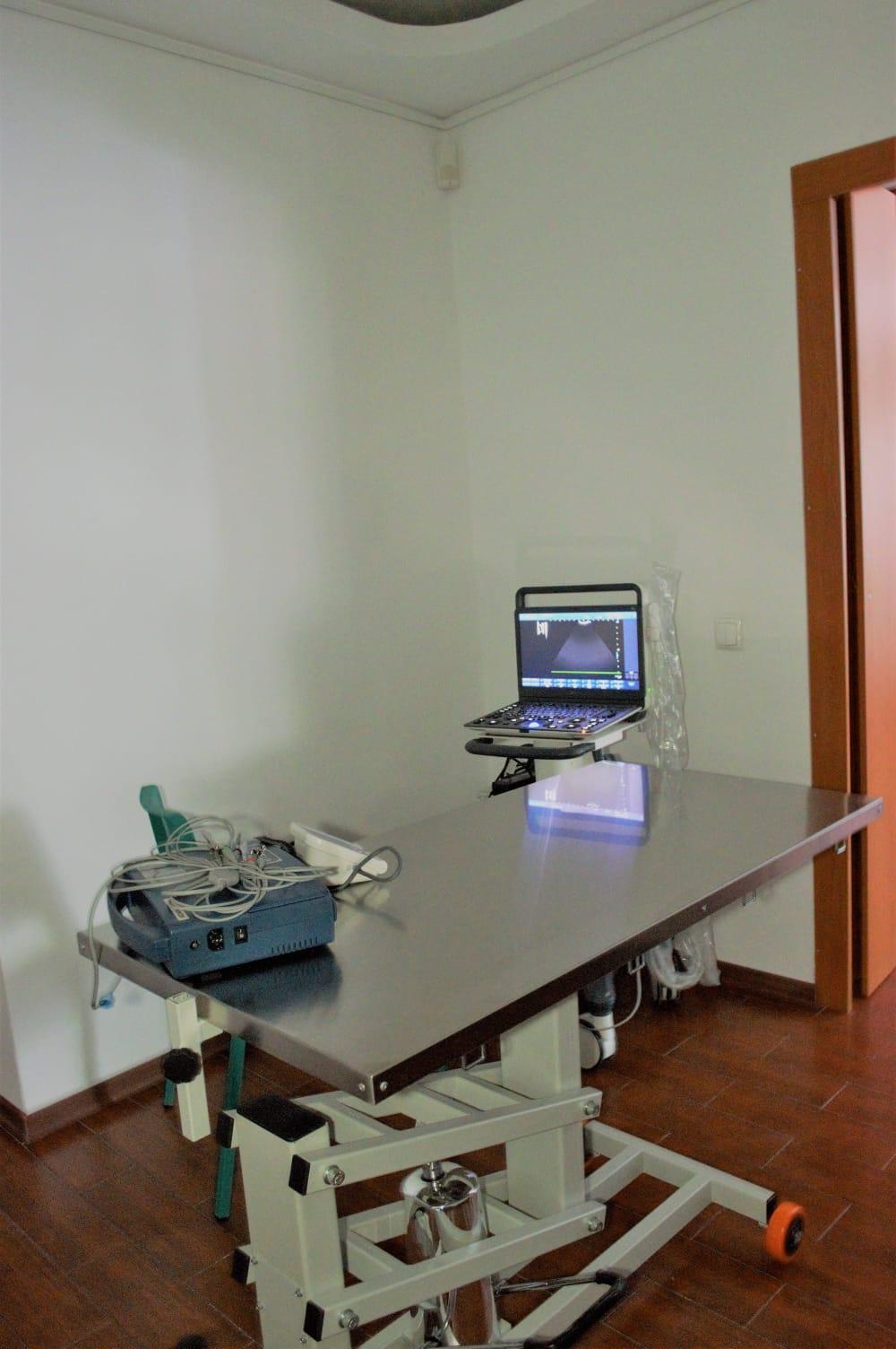 Echipament disponibil: ecograf Doppler, tensiometru, EKG. 1